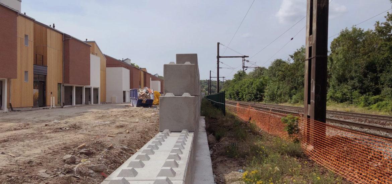 Photo n°3 de la construction d'un mur anti bruit à Chennevière-sur-Marne